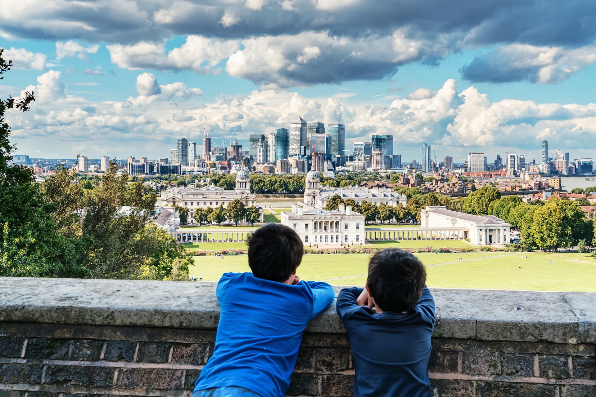 Kids looking at views of London