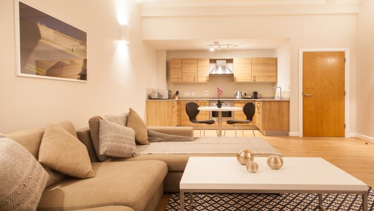 Premier Suites Glasgow Apartments